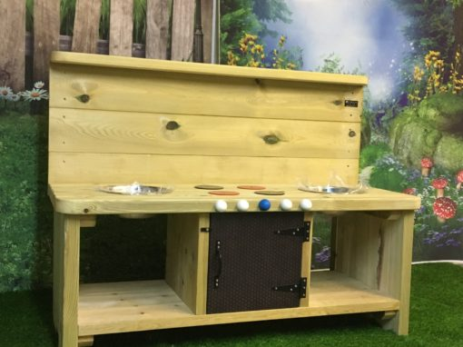 Windsor Large Mud Kitchen with two mixing bowls and a cupboard door