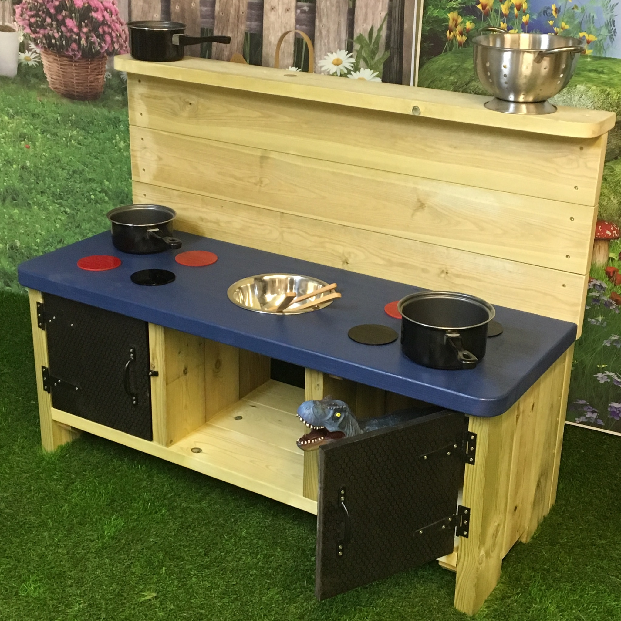 side view of the Buckingham Deluxe Mud Kitchen