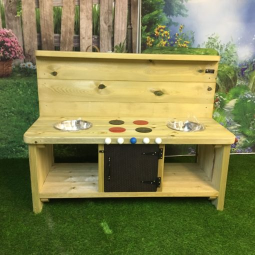 Windsor Large Mud Kitchen with four hobs and a cupboard door